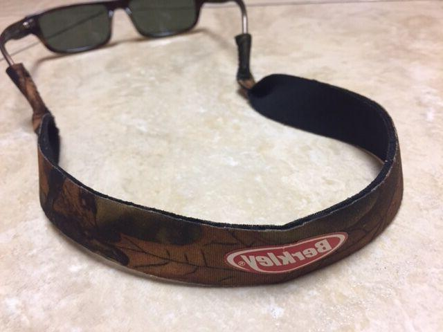 Pair NEW Camouflage Sunglasses Keeper Retainer